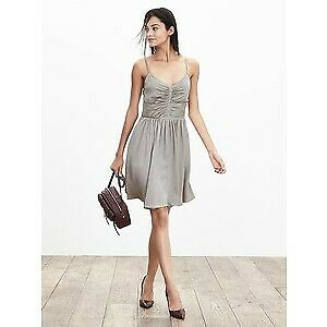 New with Tag BANANA REPUBLIC Silk Dress Size 4P (Reg $195)