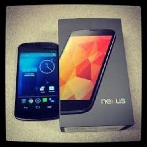16 GB  Black Google Nexus 4, Unlocked, WIND Compatible