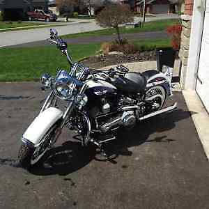 2007 Softail Deluxe -mint!! Lots of extras.