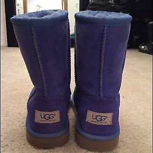 Perrywinkle blue UGGS mint condition