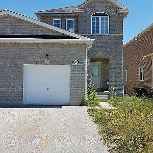 3 BEDROOM  TOWNHOUSE-SOUTH END-AUGUST 1 ST OCCUPANCY
