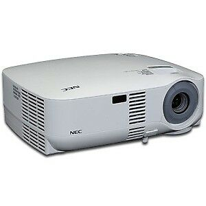 NEC VT700 PROJECTOR WITH BRAND NEW BULB- mnx