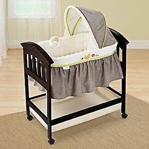 Summer Infant Fox and Friends Wood Bassinet
