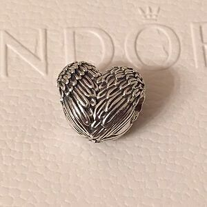 Pandora angelic feathers