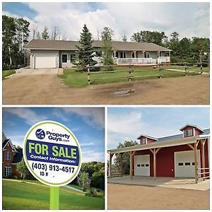 REDUCED! Immaculate Acreage perfect for Horse Lovers!