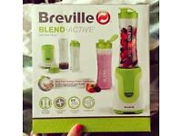 Unopened Breville Blend Active Easy smoothie maker with 2 shakers