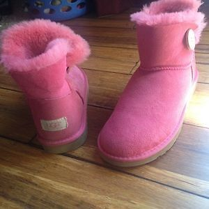 Pink UGG boots mini bailey button