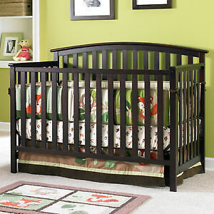 Graco Freeport Convertable Crib