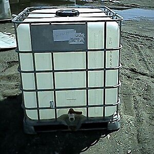 Selling 1000 L rain tanks in Fall River