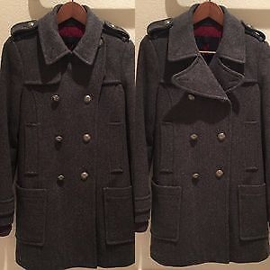 Aritzia Cadet Wool coat - size Small - Missing Faux Fur