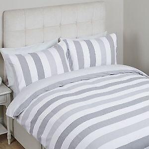 Laura Ashley Brand New Never Opened Double Duvet Cover 2 Pillowcases