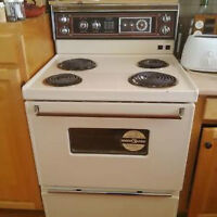Moffat Deluxe Electric Stove