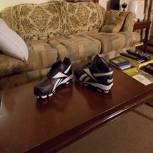 Mens' Size 11 Reebok soccer cleats Kingston Kingston Area image 1