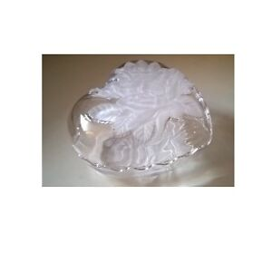 Vintage Studio Nova Winter Rose Frosted Glass Crystal Rose Cover