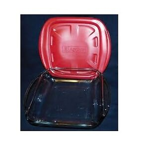 """Anchor Hocking 8"""" Clear Square Cake Dish with Lid"""
