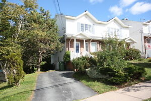 Large 3 Bedroom Townhouse - Minutes To The Peninsula