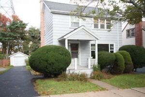 Large West End Four Bedroom Home - Great Neighbourhood