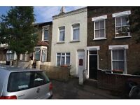 Spacious 4 Bedroom 2 Bathroom House in Stratford, E15