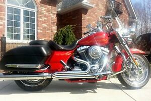 2007 Harley Davidson CVO SCREAMIN' EAGLE ROAD KING FLHRSE3 WOW!
