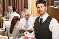 serveur cuIsinier gérant busboy hotesse