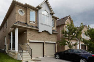 Luxury  4 bedroom house in heart of Richmomd Hill