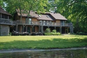 Beautiful Waterfront Cottage on Pine Lake now booking 2020!