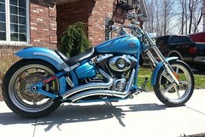 REASONABLE OFFER TAKES IT! 2011 Harley Davidson ROCKER C