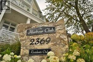 Beautiful Bronte Village Townhome Near Bronte Harbour