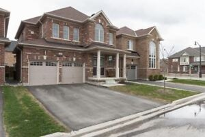 Absolutely Stunning!! 4 Bed Detached Home in Brampton