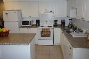 CAMPUS HEIGHTS APARTMENT ACROSS FROM TRENT $495/MONTH Peterborough Peterborough Area image 2