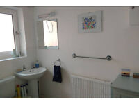 Two bedroom modern spacious flat, 10 minutes cycle from Cambridge station. Available mid September