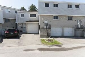 2 Storey 3 Bdrm Townhouse in Mississauga Valley For Sale
