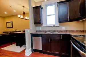 Bordering Queen's Campus- 2 Bedroom- Renovated, BARRIE Street Kingston Kingston Area image 6