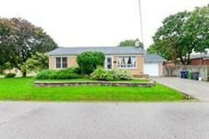 Stunning 3 Bedroom House Bungalow In A Sought West Location
