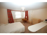A very well located studio apartment just off the Gloucester road. Large studio room with open kit