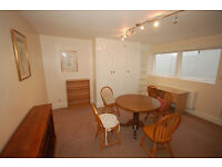 A spacious recently updated one bed apartment in a fantastic cul de sac just off the Gloucester Road
