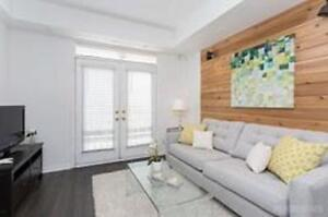 2-Bed/2 Bath Renovated Townhouse w/Private Roof Top & Parking
