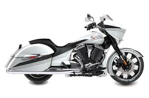 2016 Victory Motorcycles Magnum® - Suede Pearl White with Black