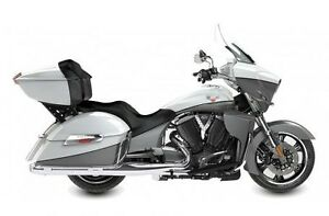 2016 Victory Motorcycles Cross Country Tour® - Two-Tone White Pe