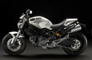 2011 Ducati Monster - 696