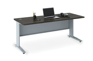 Used /New office furniture workstations desks chairs Reception