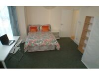 Ensuite Double Room in Exceptional Student Accommodation | Students Age 21+ only