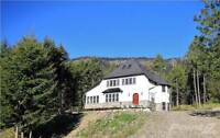 Private spectacular house/acreage 15 minutes to downtown Kelowna