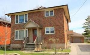 GREAT LOCATION BRIGHT 3 BR, 3 BATHS DUPLEX HOUSE
