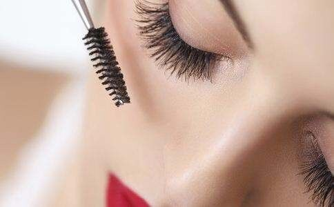 a7d3cceddf8 Mobile Semi-Permanent Japanese Eyelashes extensions! Fully qualified and  Insured. | in Hackney, London | Gumtree