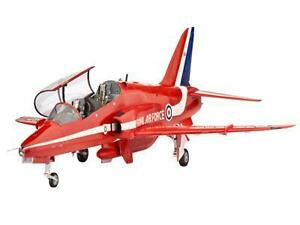 REVELL-1-32-RAF-BAe-Hawk-T-1-Red-Arrows-Plastic-Model-Kit-04284
