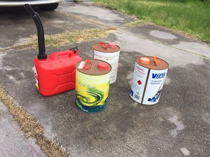 4 jerrycans for $20
