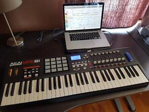 Akai MPK 61 Midi Controller NO SCRATCH - BARELY USED - LIKE NEW
