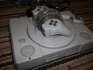 PLAYSTATION 1 INCLUDES CONTROLLER + HOOK-UPS