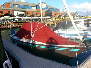 Court 750 with drop/swing  keel & trailer $22,500 Rivervale Belmont Area Preview